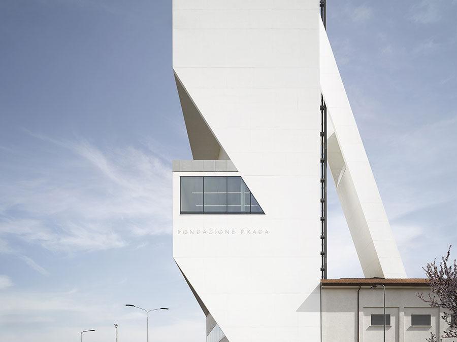 Completamento Museo Fondazione Prada a Milano, progetto dalle soluzioni tanto ardite quanto spettacolari.