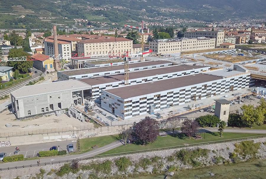 """Realizzazione progetto """"Manifattura"""" a Rovereto (TN) con la fornitura e posa di 19.000 mq di facciate a cellule montate in appena 6 mesi."""